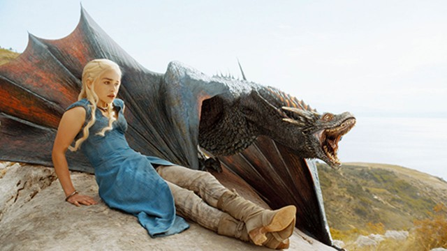 """""""Winter Is Coming Live"""" Game of Thrones Season 4 Episode 1 """"Two Swords"""" Recap"""
