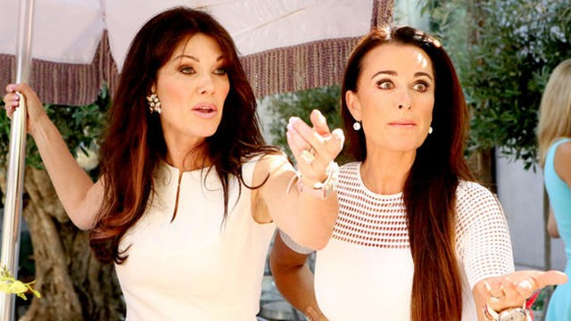 "The Real Housewives of Beverly Hills After Show S5E1 ""Guess Who's Coming to the White Party?"""