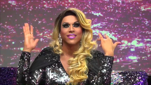 Hey Qween! BONUS: Jessica Wild's Coming Out Story