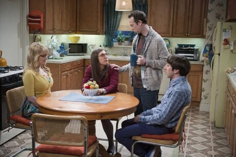 """""""The Matrimonial Momentum"""" -- Sheldon doesn't know how to act after Amy pushes pause on their relationship, on the ninth season premiere of THE BIG BANG THEORY, Monday, Sept. 21 (8:00-8:31 PM, ET/PT), on the CBS Television Network. Pictured left to right: Melissa Rauch, Mayim Bialik, Kevin Sussman and Simon Helberg Photo: Neil Jacobs/CBS ©2015 CBS Broadcasting, Inc. All Rights Reserved"""