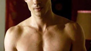 shirtless-damon-5-the-predator1