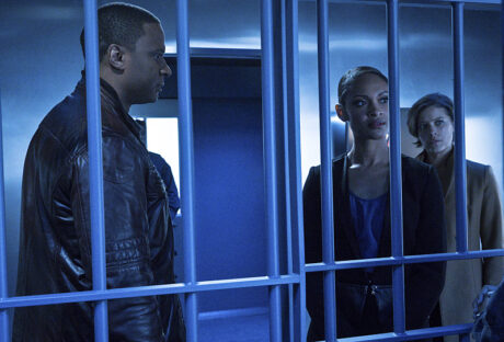 Arrow_AWOL_John_Diggle_Amanda_Waller_Layla_Diggle_Jail_Cell