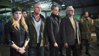 "Legends of Tomorrow After Show Season 1 Episode 2 ""Pilot, Part 2"""