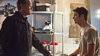 "The Flash -- ""Gorilla Warfare"" -- Image FLA207B_0019b.jpg -- Pictured (L-R): John Wesley Shipp as Henry Allen and Grant Gustin as Barry Allen -- Photo: Cate Cameron/The CW -- © 2015 The CW Network, LLC. All rights reserved."
