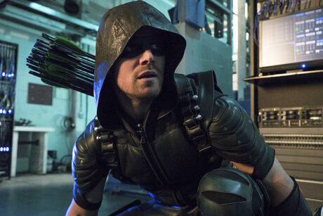 Arrow_Unchained_Green_Arrow_Crouching