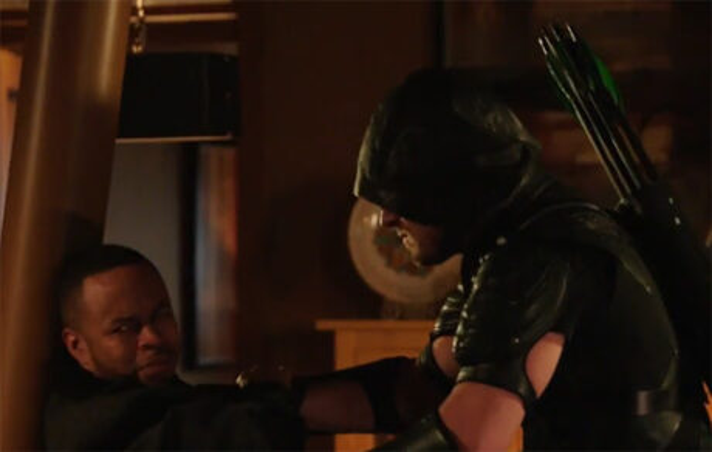 Arrow_Eleven-Fifty-Nine_Green_Arrow_Tortures_Andy
