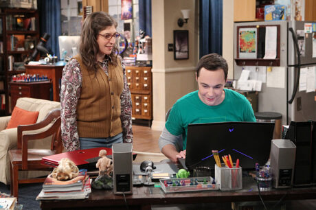 The_Big_Bang_Theory_The_Solder_Excursion_Diversion_Sheldon_New_Laptop