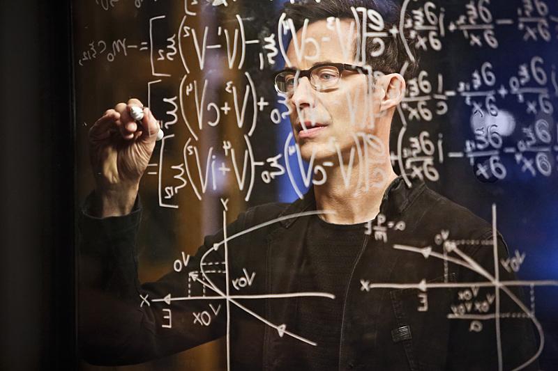 the-flash-220-harry-chalkboard