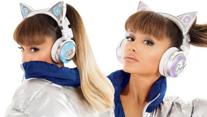 ARIANA GRANDE Takes Over The World With CAT HEADPHONES On theFeed!